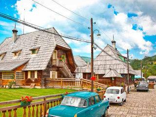Šarganska osmica, Drvengrad in Narodni park Tara